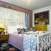 banque de photo cr me dredons bleu valances sur ilt jumeau lits dans chambre. Black Bedroom Furniture Sets. Home Design Ideas