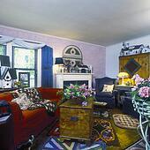Stock foto eetkamers ouderwetse gordijnen armoedig chic huisje blik licht roze - Muur hutch ...